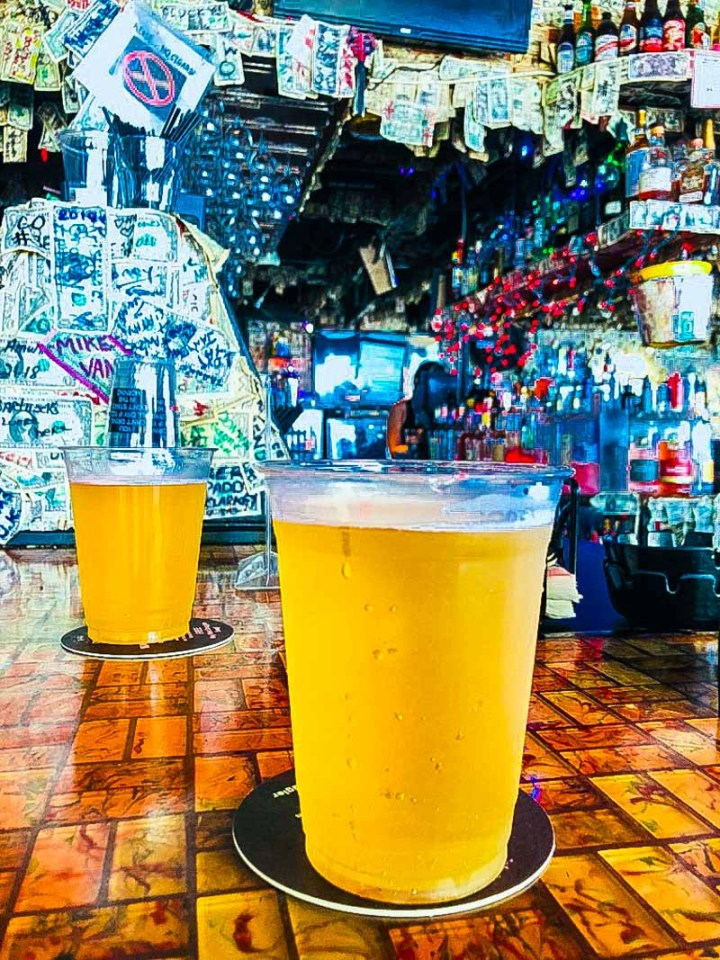 Lunchtime beers at Willie T's