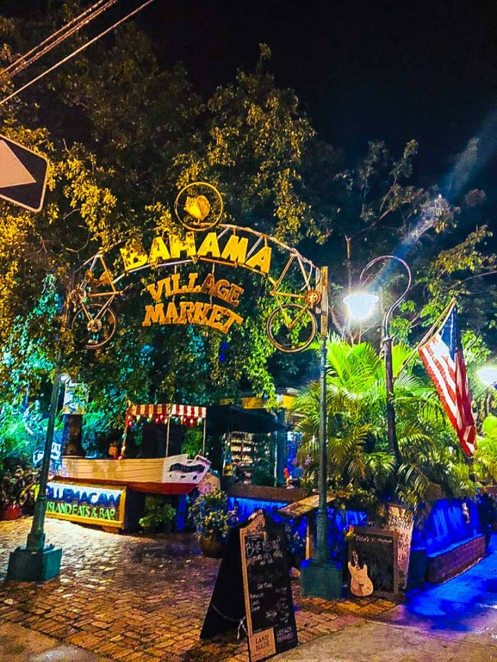 Night pictures in the Bahama Village area