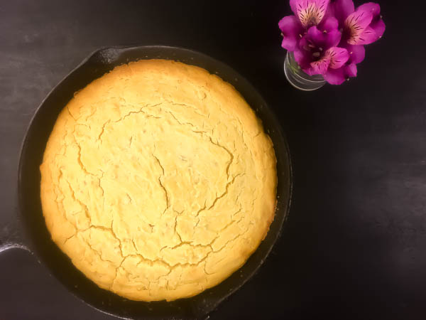 Gluten Free Skillet Cornbread from A Sprinkling of Cayenne. | https://asprinklingofcayenne.com