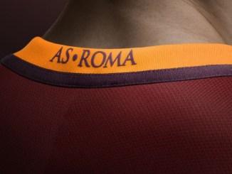 Roma kit Nike