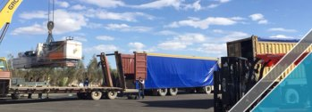 The arrival of last shipment of factory equipments (4)