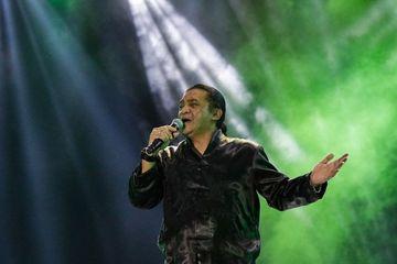 Lirik Lagu Ambyar Milik Didi Kempot Lengkap Dengan Terjemahan