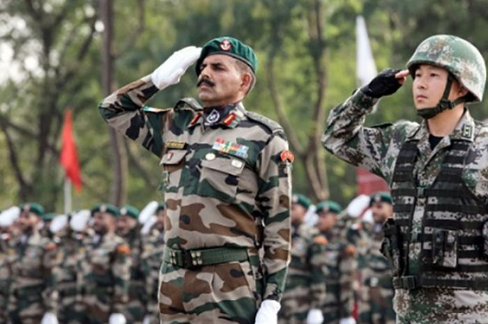 Indian and Chinese troops