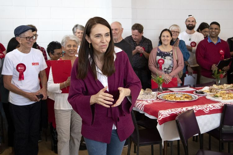 New Zealand Prime Minister Jacinda Ardern thanked the electorate officials in Auckland on Saturday, October 17, 2020, where the Kiwi State is holding a general election.