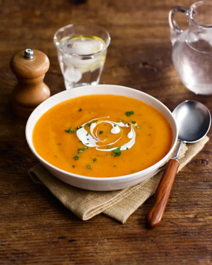Carrot and coriander soup | Slimming World