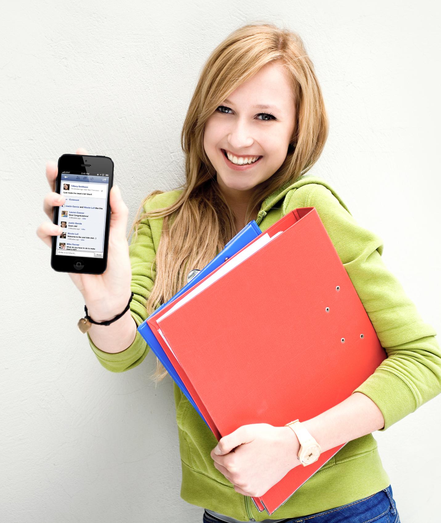 Kết quả hình ảnh cho student with smartphone
