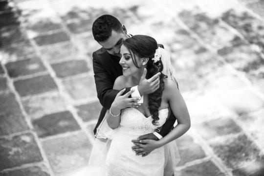 Cómo posar para las fotos de boda según los expertos - 13323336_1003477073101636_2064637564265400615_o