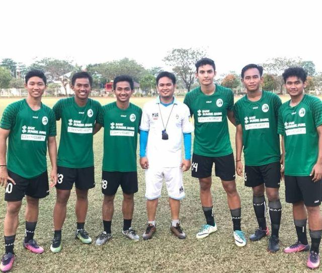 Mimpi Akmal Almy Membawa Tim Sepak Bola Kampung Halamannya Di