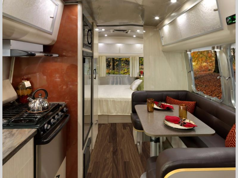 23 2017 Flying Cloud Airstream