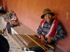 Tapestry weaver in Pitumarca