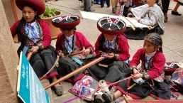 Young weavers from Chinchero