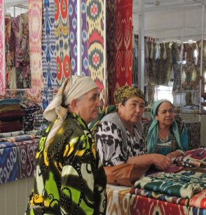 Local women bartering at the Kum-Tepa market.