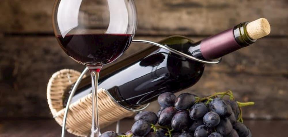Red Wine Nutrition (Calories, Ingredients, Health Benefits)