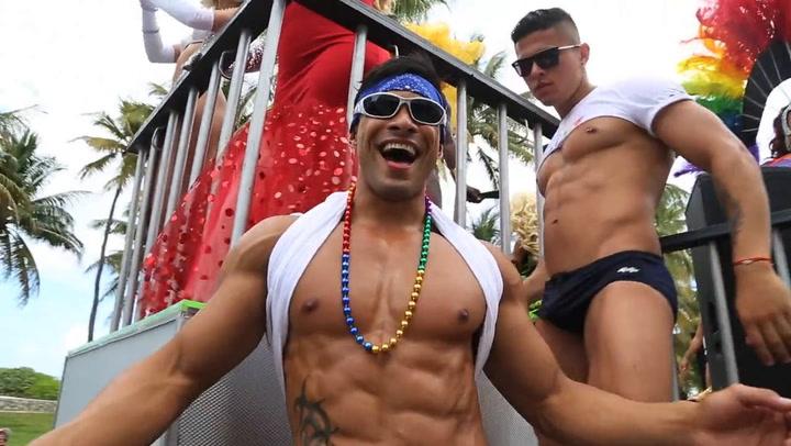 Gay travel buddy
