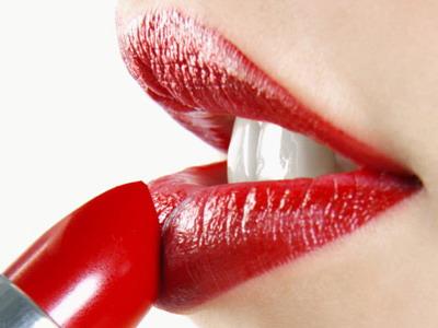 Cinci trucuri pentru un machiaj impecabil al buzelor!