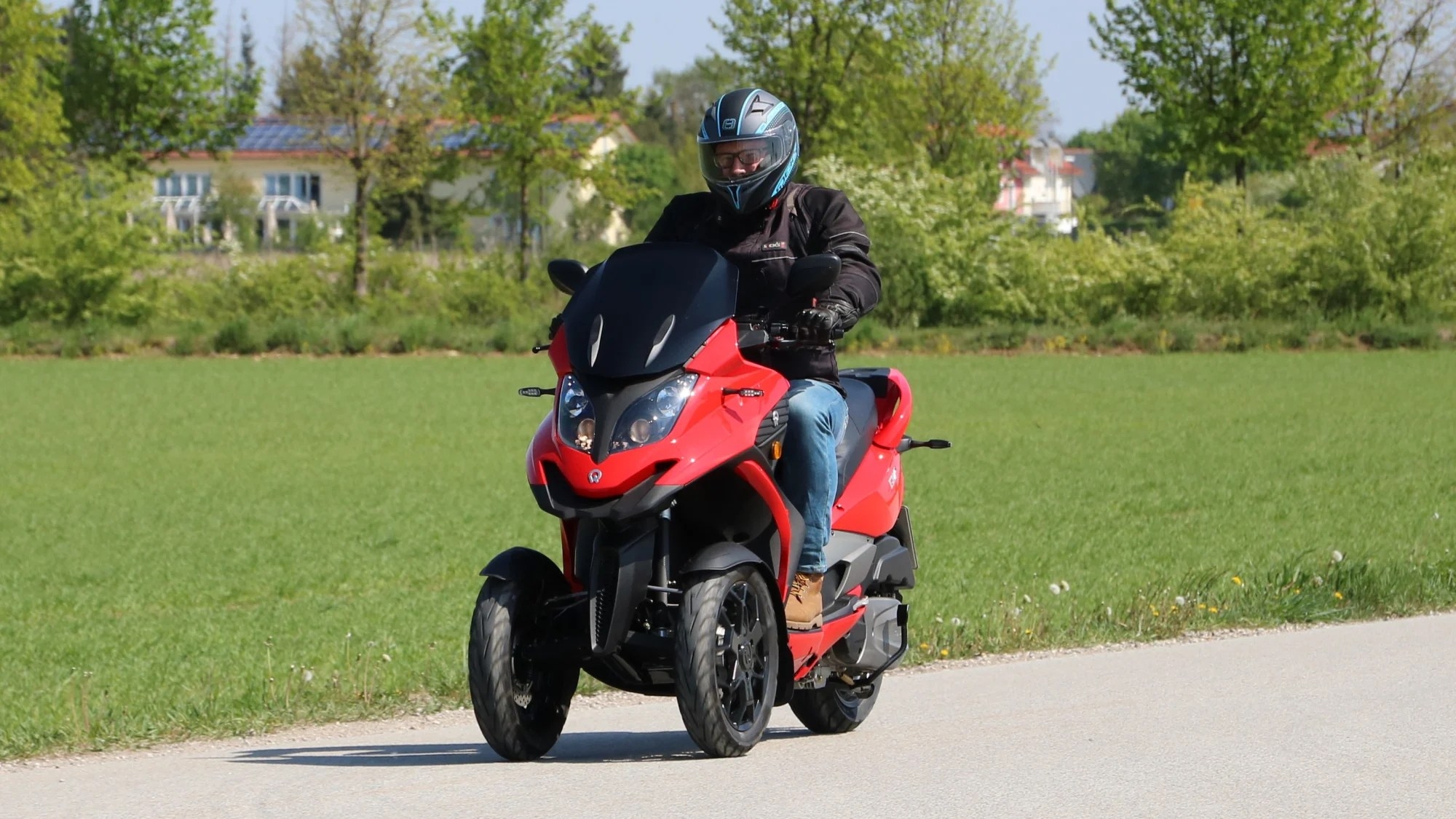Quadro Qv 3 Dreirad Scooter Im Fahrbericht Adac