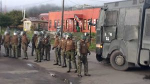 Carabineros desalojó toma de la municipalidad de Tirúa