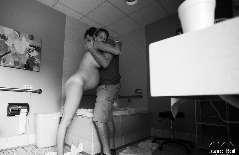 parturition accouchement physiologique position debout appuyé