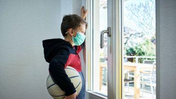 Elle lance une pétition contre le port du masque pendant la récré et les cours de sport