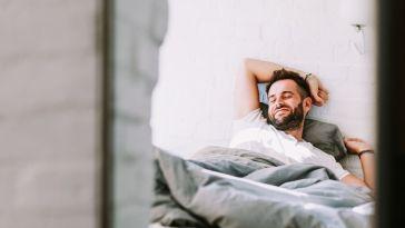 Masturbation masculine : où, quand, comment ? Une étude révèle la manière dont les hommes se touchent