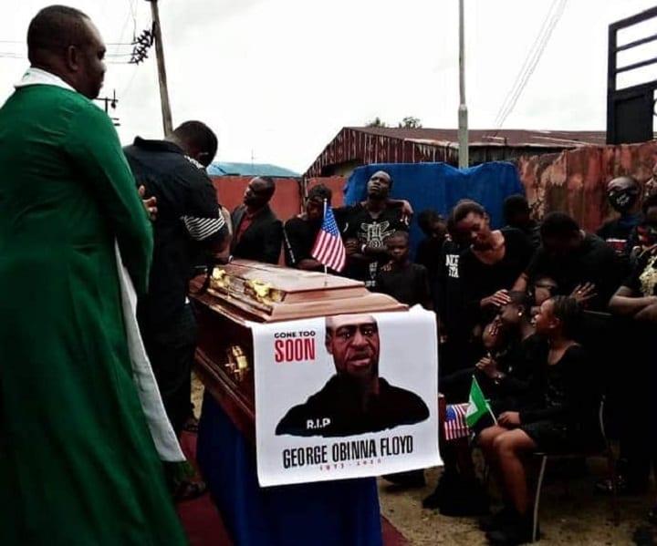 Nigeria: un pasteur ''enterre une nouvelle fois'' l'Américain George Floyd (photos)