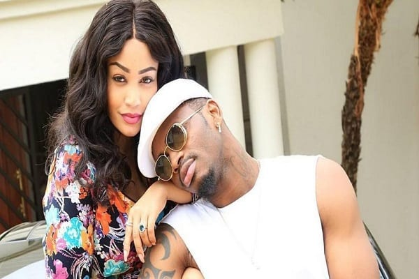 zari-hassan-thanks-diamond-as-she-flaunts-her-newly-acquired-bentley-photos_5f06d17415df7-1024×538