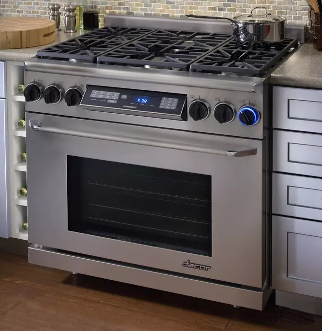 Dacor Debuts Renaissance Pro Style Gas Range At Kbis Reviewed Com Ovens