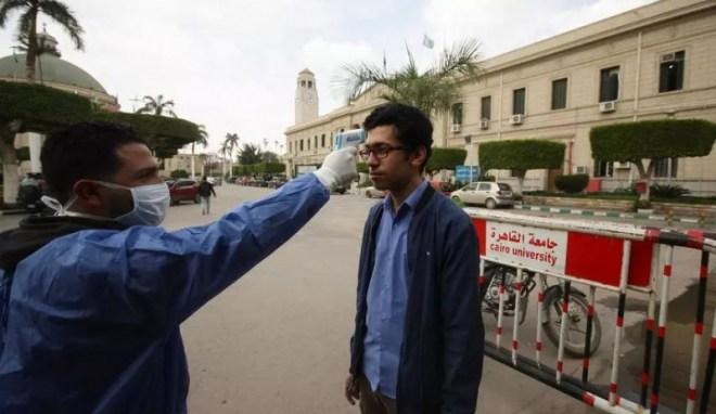 قفزة في إصابات ووفيات كورونا في مصر