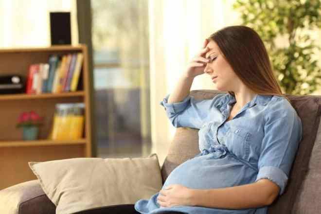 طبيبة نساء : لهذا السبب لا يتم تطعيم الحوامل بلقاح كورونا