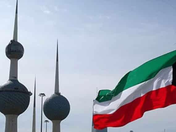 الكويت تعلق رحلاتها الجوية الدولية وتغلق الحدود