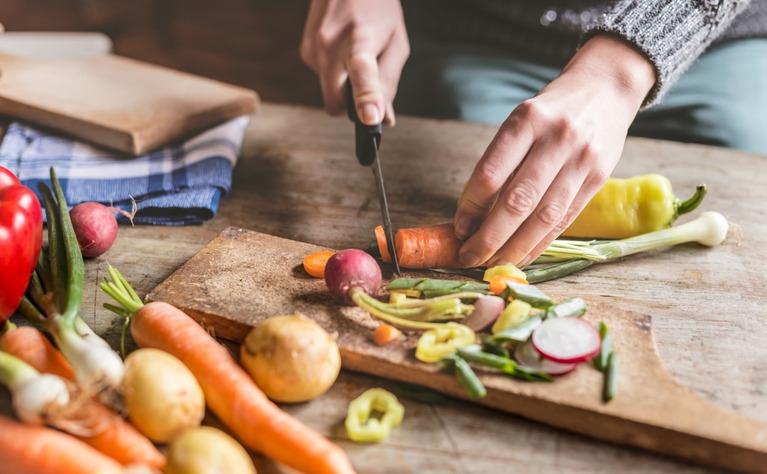 9 أطعمة يجب على مرضى التهاب الأمعاء تجنبها (2)