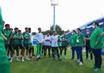 وزير الرياضة للاعبي المنتخب السعودي: خيرها في غيرها