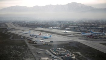 استئناف العمل بمطار كابل أمام رحلات الإجلاء