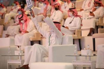 141 ألف ريال قيمة صقرين في الليلة الـ9 للمزاد الدولي لـ الصقور - المواطن