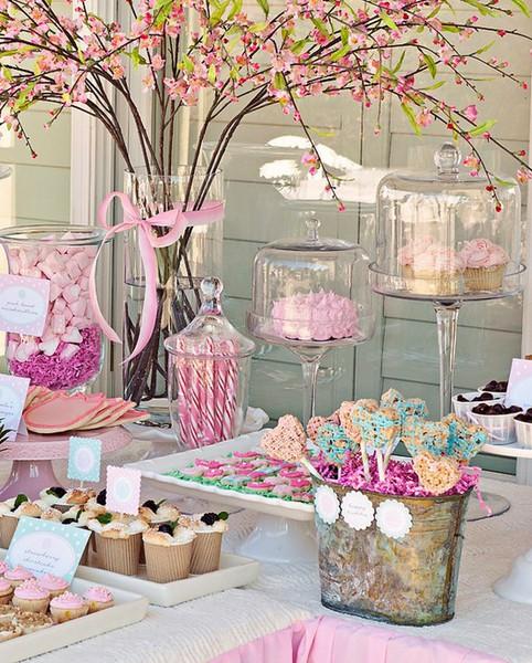 C mo decorar tu mesa de primera comuni n d as inolvidables - Ideas para decorar una mesa de comunion ...