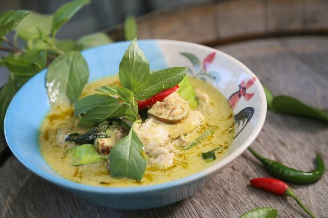 A delicious bowl of Thai green curry waiting to be tossed in the fridge and reheated the next day.