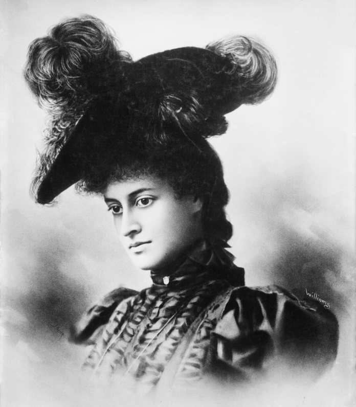 The princess of the photo taken by IW Taber in 1897 and later retouched by JJ Williams.