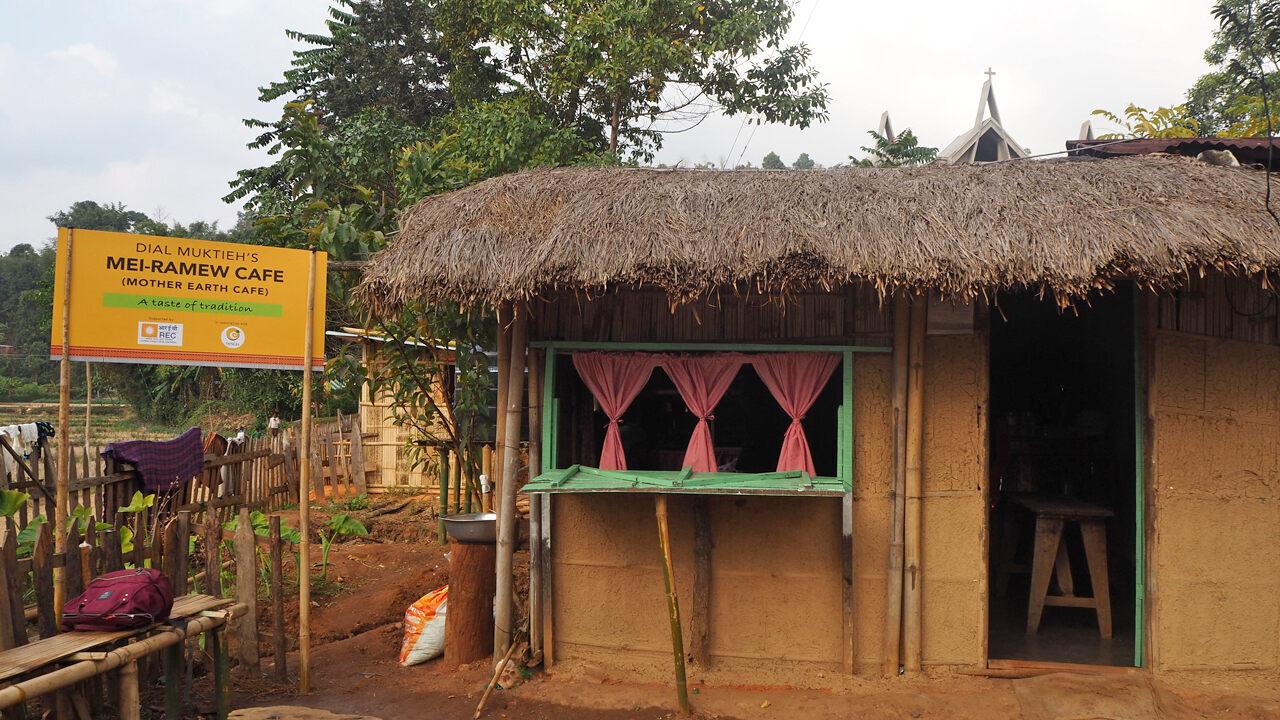 Khreng Village boasts two Mei-Ramew cafes.
