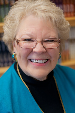 Lauraine Snelling