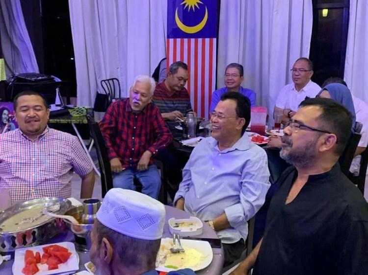 Gambar tular Osman menghadiri satu majlis anjuran Parti Pejuang Tanah Air (PEJUANG) Johor. - Foto ihsan Facebook Abu Bakar Yahya Aby