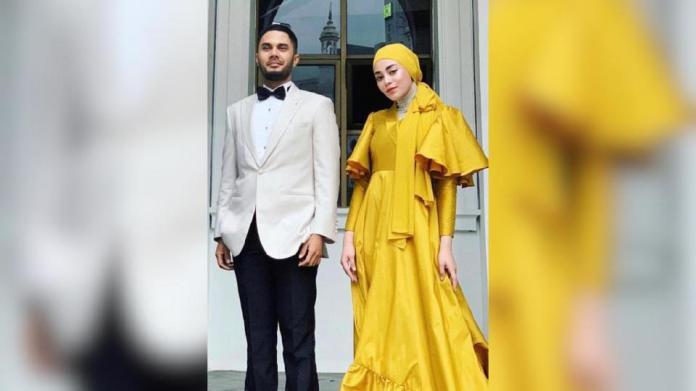 Uyaina Arshad dan Fikry Ibrahim kali pertama digandingkan sebagai pengacara menerusi program Ratu Hijabista. - Foto IG Uyaina Arshad