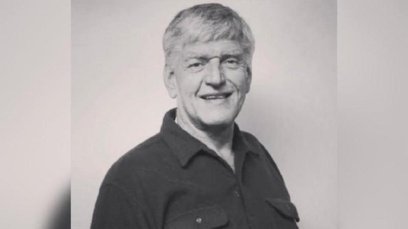 Sebelum menceburi bidang lakonan, Dave Prowse terlebih dahulu bergelar atlit angkat berat dan pernah mewakili England di Temasya Sukan Komanwel pada 1960. - Foto AGENSI