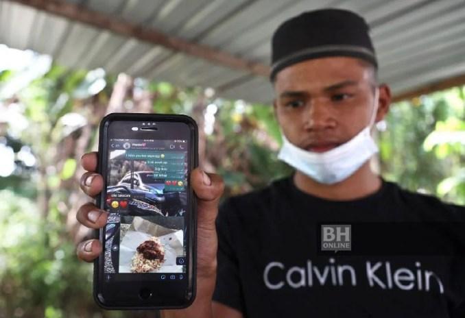 Muhammad Haiqal Adnan menunjukkan teks perbualan terakhirnya melalui aplikasi WhatsApp dengan Siti Nur Surya Ismail. - Foto Ghazali Kori