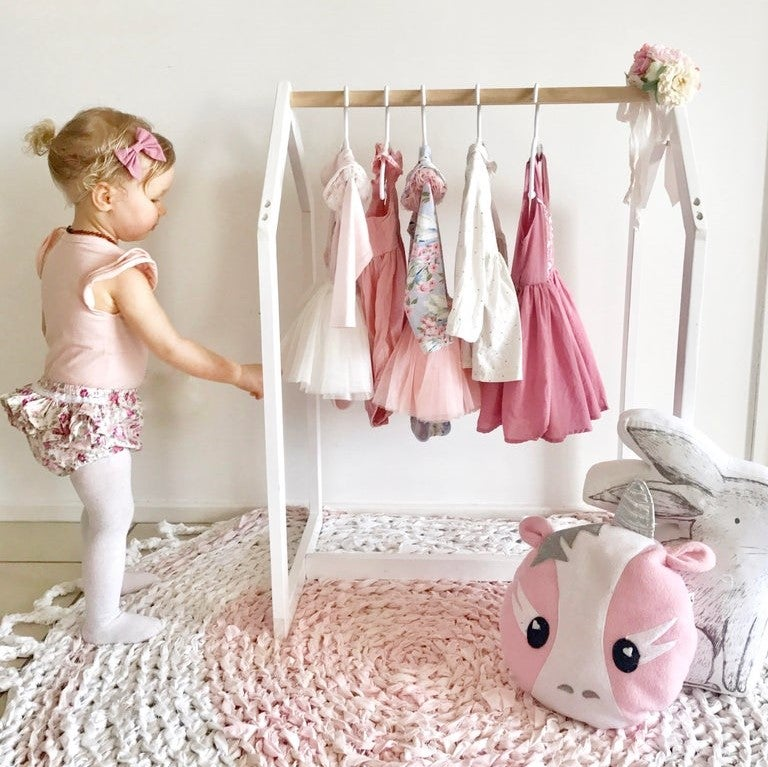 dress up rack clothing rack