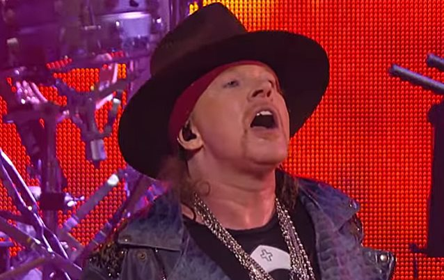 Report: Reunion Tour Of Classic GUNS N' ROSES Lineup 'Close To Being Revealed'