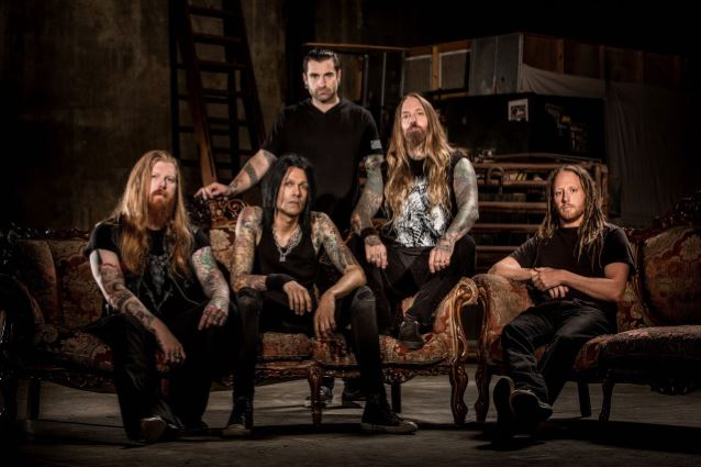 DEVILDRIVER's Album Of Outlaw Country Covers To Include Guest Appearance By LAMB OF GOD Guitarist