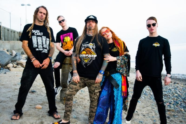 DEVILDRIVER, LAMB OF GOD Singers Officially Re-Launch SUNCULT Surf Apparel And Lifestyle Brand