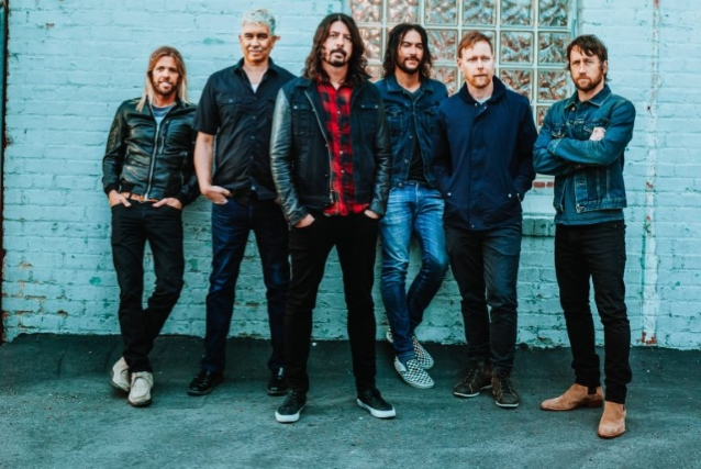 FOO FIGHTERS Release Surprise Live EP, '00950025'
