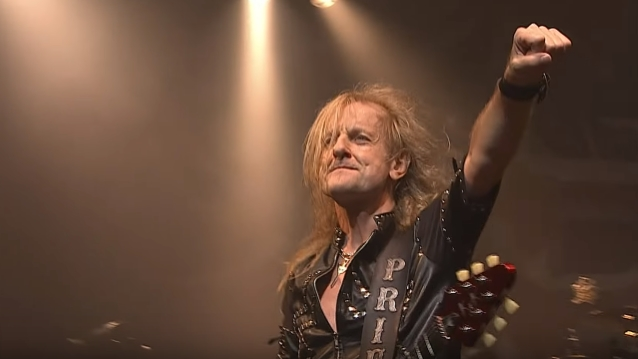 K.K. DOWNING Looks Back On JUDAS PRIEST's Contentious Rivalry With IRON MAIDEN: 'It Got A Bit Ugly'