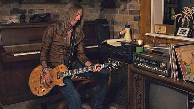 Former PANTERA Bassist REX BROWN To Release Debut Solo Album In May